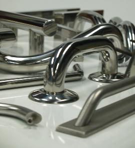tiradores para puertas de acero inoxidable de diseño artesano en Barcelona